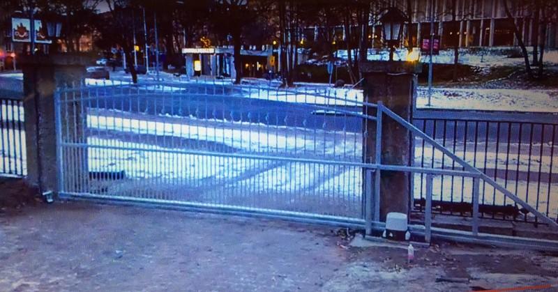 5 m-es úszókapu Svédország Nagykövetség